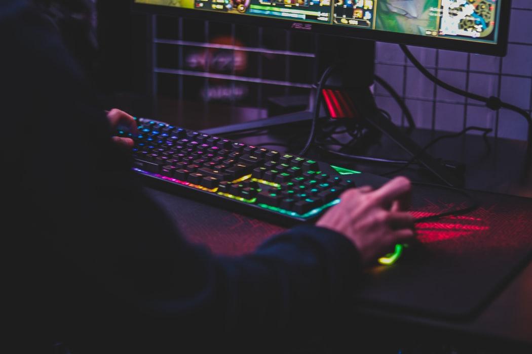 Komputery do gier – na jakie parametry zwracać uwagę przy zakupie