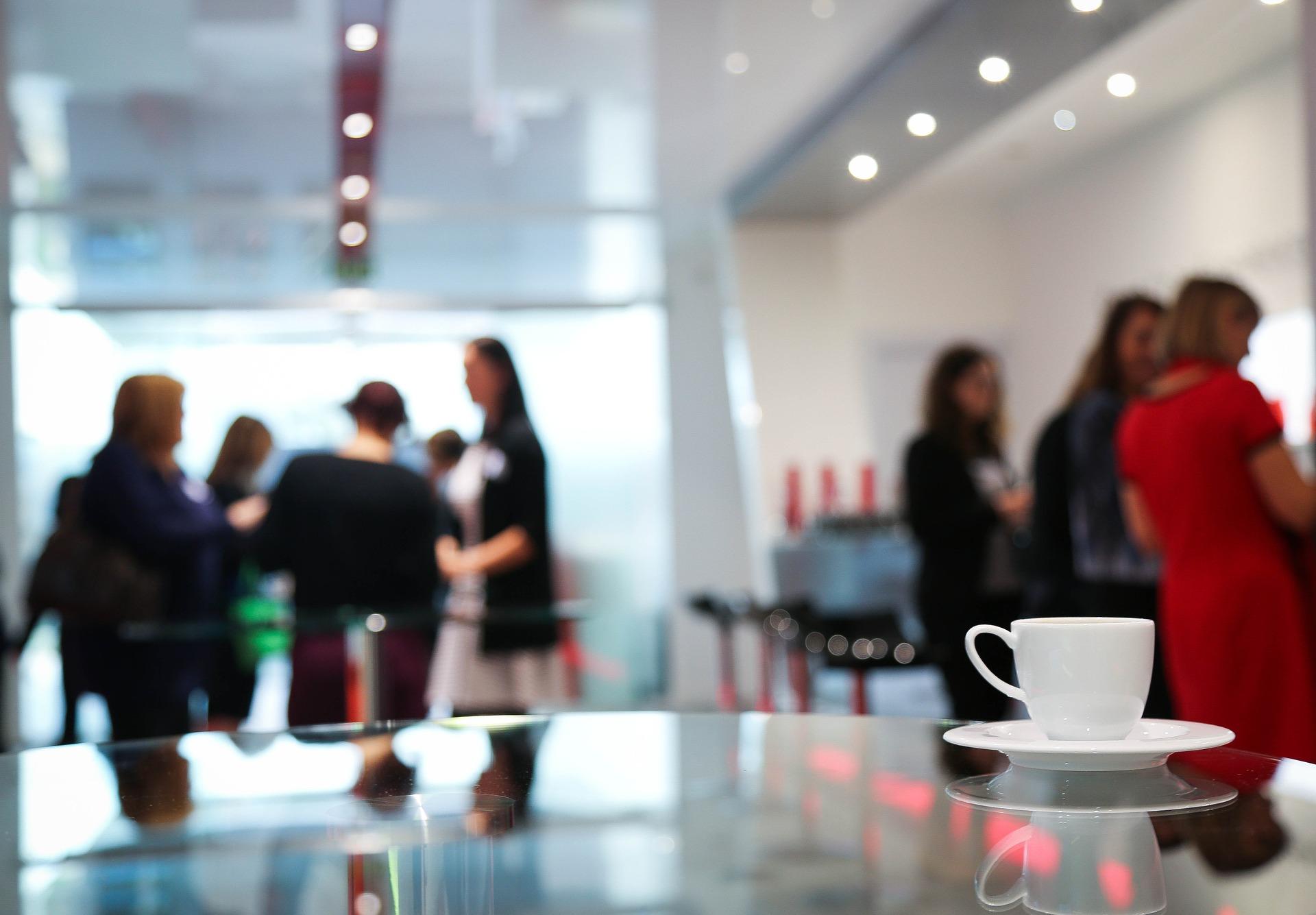 Organizacja konferencji i imprez firmowych – największe korzyści