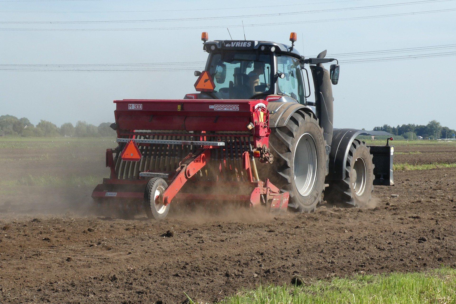 Maszyny rolnicze – miniciągniki i ciągniki jednoosiowe z osprzętem