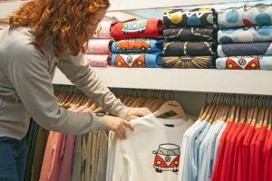 Wybierz koszulkę z nadrukiem